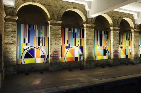 Sarah Morris, Big Ben [2012], 2012.Gloucester Road station Photograph: Thierry Bal