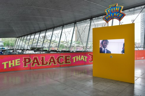 The Palace That Joan Built, Mel Brimfield & Gwyneth Herbert, Stratford station, 2015  Photo: Thierry Bal