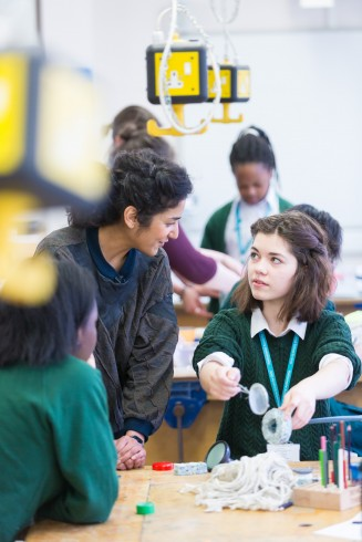 Crafting the Line, Jasleen Kaur with Walthamstow School for Girls, 2016. Photograph Benedict Johnson