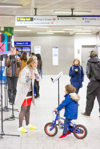 We Happened to Travel: Displaced Duets, MattRogers, King's Cross station, 2016 Photo: Benedict Johnson