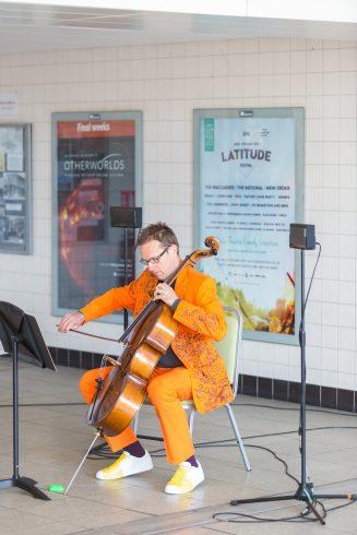 We Happened to Travel: Displaced Duets, Matt Rogers, Highbury & Islington station, 2016 Photo: Benedict Johnson