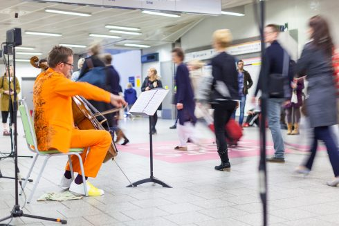 We Happened to Travel: Displaced Duets, Matt Rogers, King's Cross station, 2016 Photo: Benedict Johnson