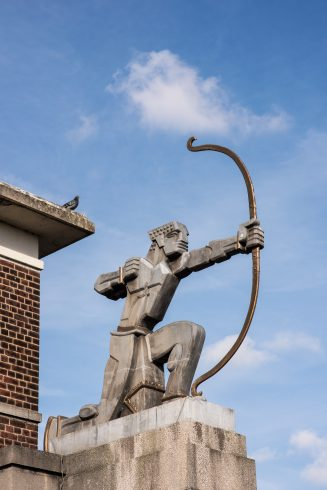 East Finchley station, The Archer, Eric Aumonier, 1940